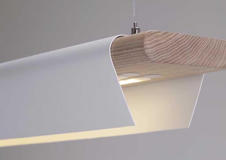 Misture alguns materiais para fazer uma luminária potente