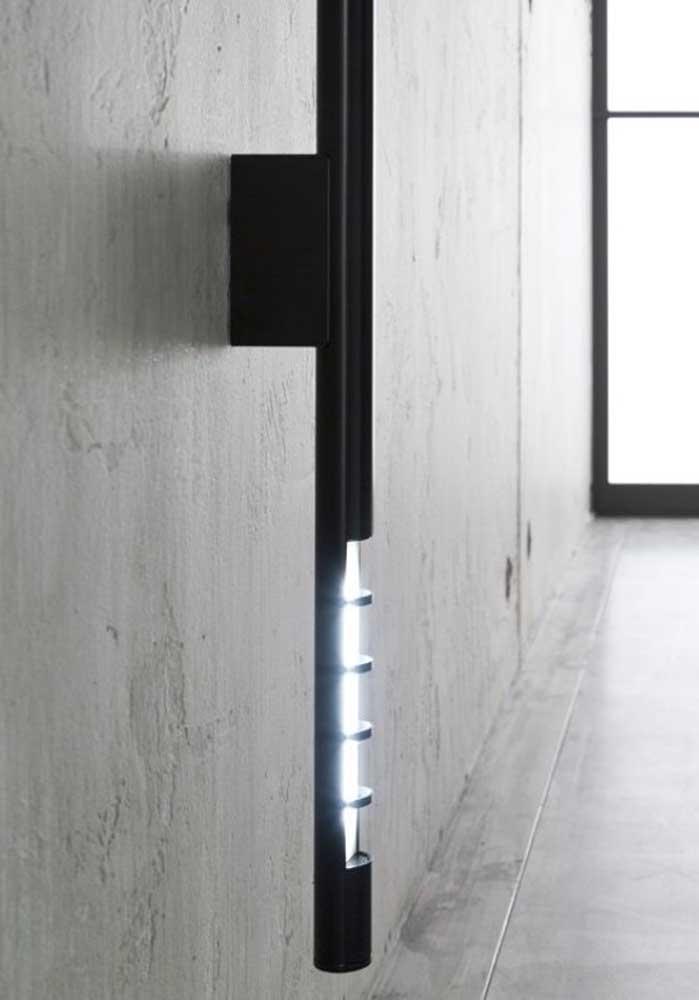 Que tal fazer uma luminária de emergência usando PVC?