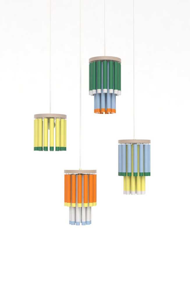 O que acha de diversificar as cores das luminárias?