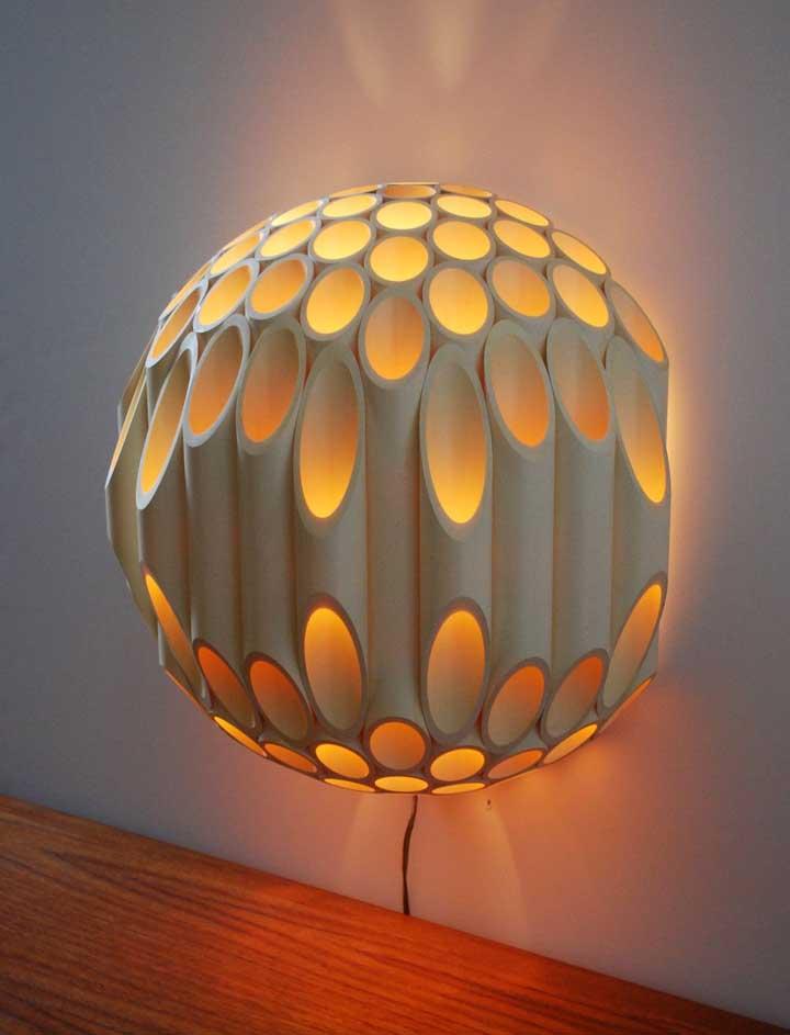 Mais um efeito extraordinário em uma luminária de PVC