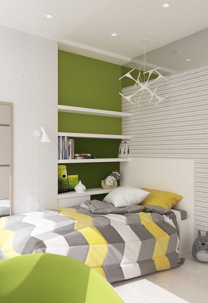 Que tal usar cores diferentes para decorar o quarto de adolescente? Dessa forma, você sai da mesmice sem deixar de fazer uma decoração com a cara do dono.