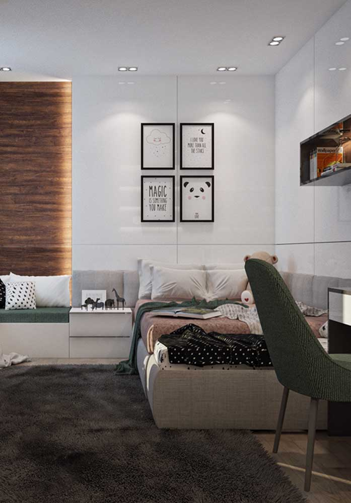 No quarto de adolescente você pode usar uma iluminação de LED embutida no teto. O resultado é um ambiente mais amplo, com uma iluminação suave e sem exageros.