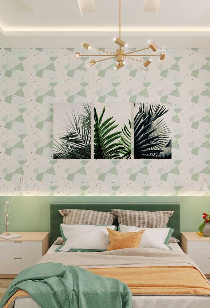 Para os amantes da natureza, vale apostar em uma decoração com a cor verde. Para isso, use um papel diferenciado e quadros que estejam relacionados com o tema.