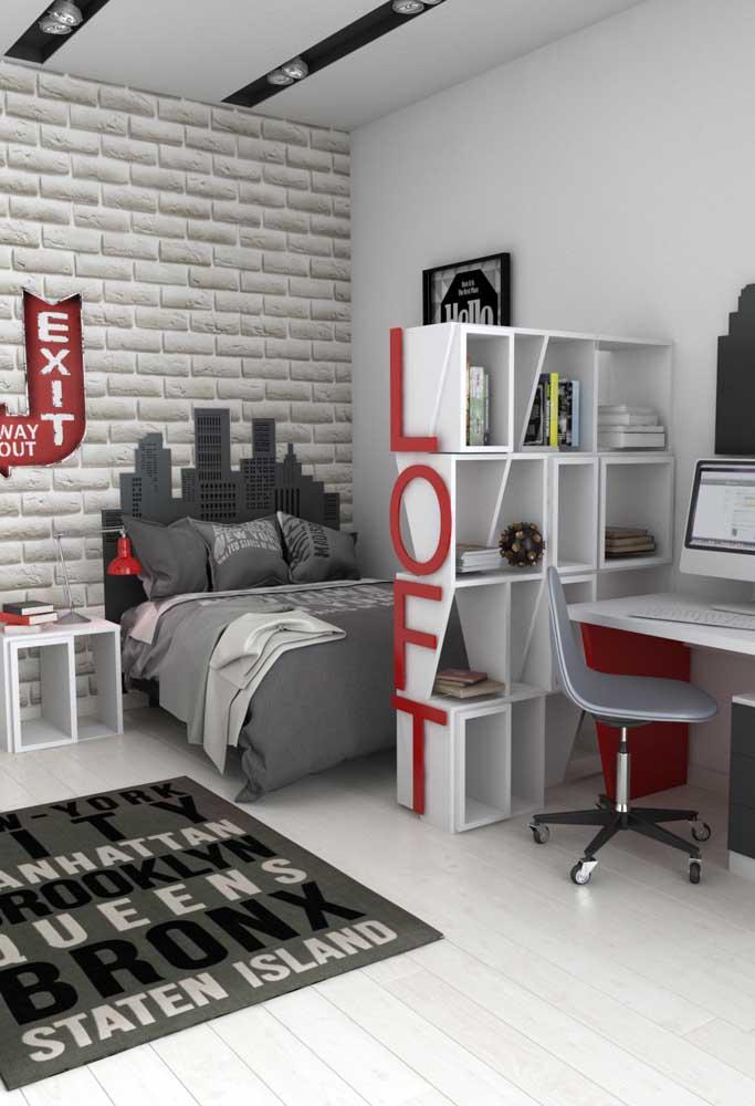 Uma decoração moderna com itens mais urbanos é perfeita para um quarto de adolescente masculino.