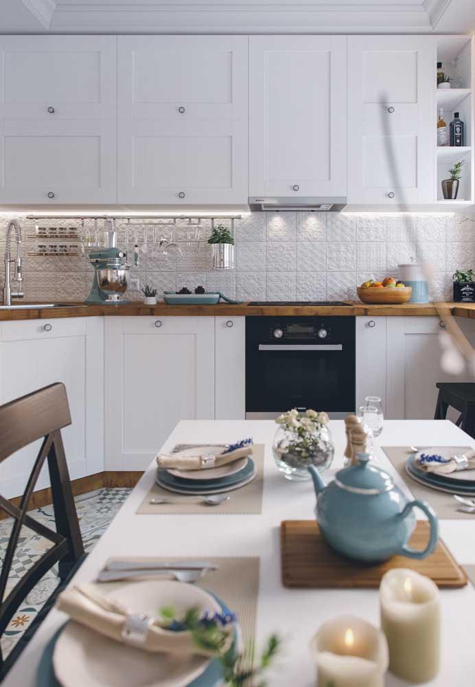 Textura e relevo para deixar o revestimento da cozinha ainda mais charmoso