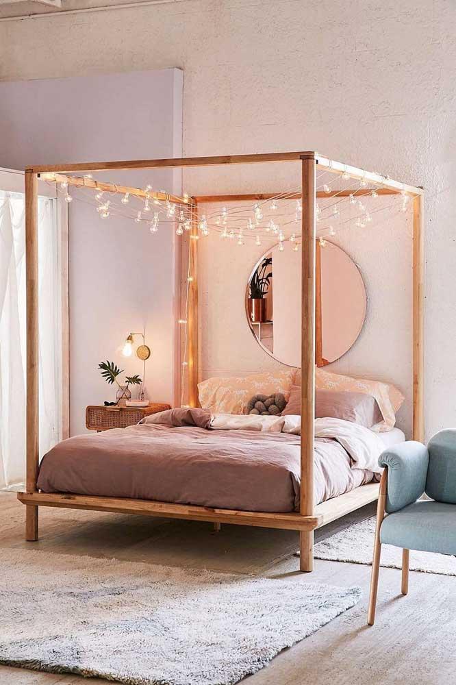 As cores nude, branca e rosa são perfeitas para uma decoração com detalhes em tons rosé gold