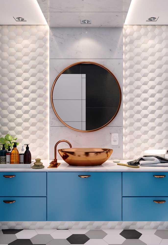 O banheiro é o cômodo que mais combina com detalhes em rosé gold