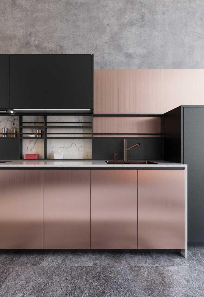 Que tal usar o tom rosé gold na banca da cozinha?