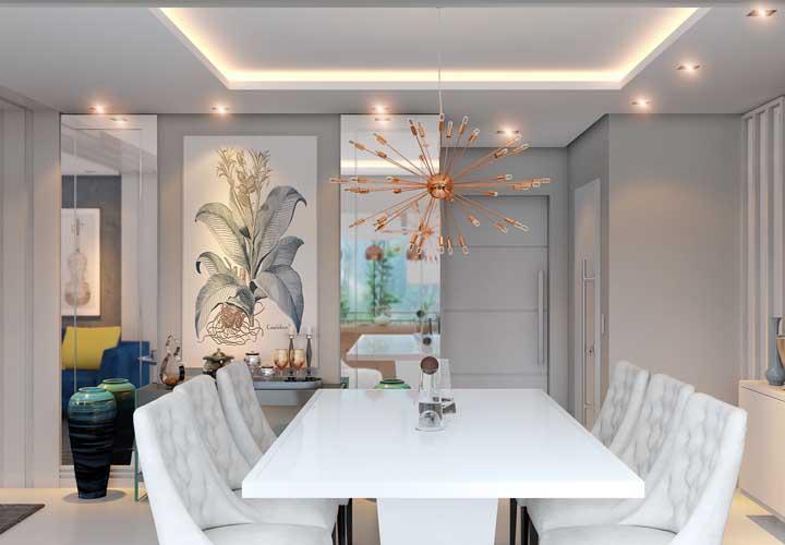 Ou use um modelo com design diferenciado para colocar no alto da mesa de jantar