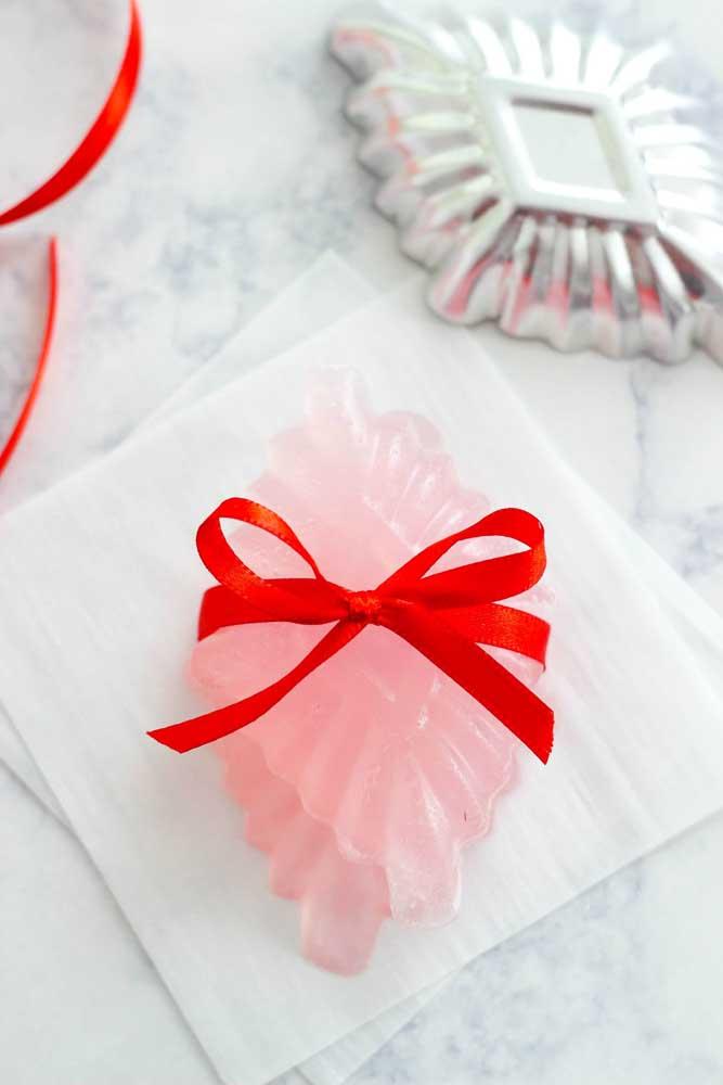 Os sabonetes glicerinados quando feitos em formatos diferentes ganham um charme a mais