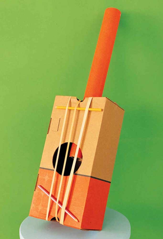 Fazendo combinações com outros materiais, você pode até construir alguns instrumentos musicais.