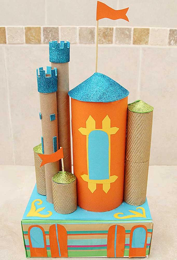 Já pensou em construir um belo castelo usando caixas de sapatos? Saiba que isso é possível se você combinar o material com outros produtos.