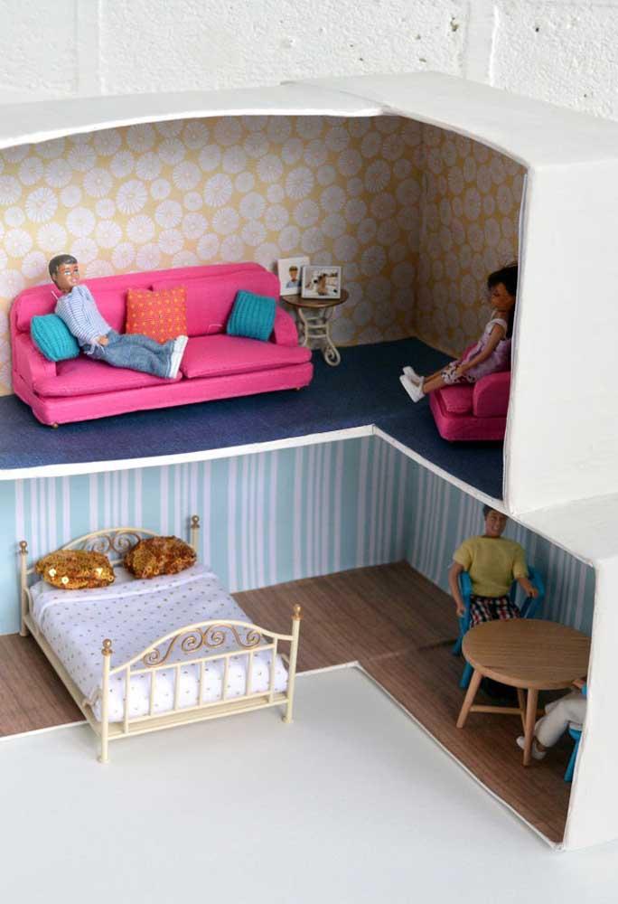 Com caixas de sapatos dá para fazer várias casinhas de boneca