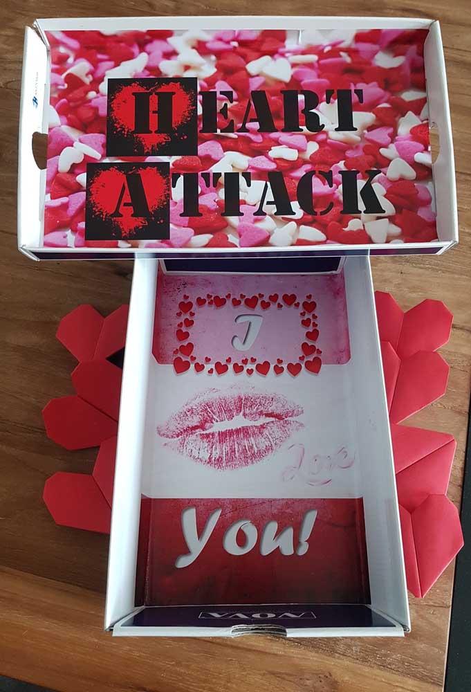 Quer surpreender seu amado com algo bem romântico? Use caixas de sapato com frases de amor!