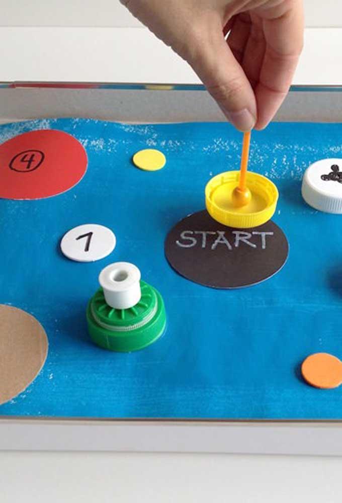 Jogos simples, mas que são educativos são perfeitos para fazer em uma caixa de sapato