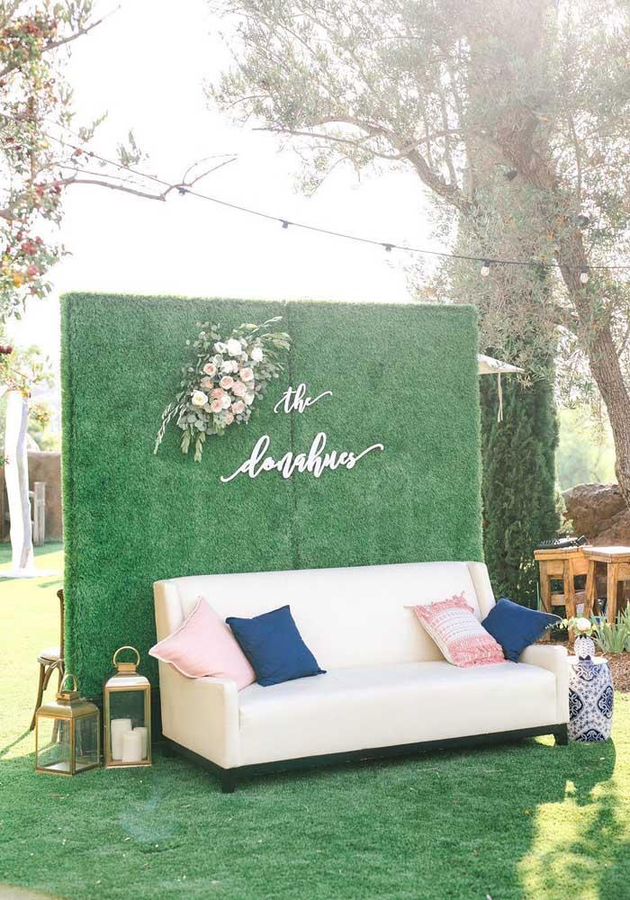 Fresco e acolhedor, o cantinho verde e azul é ideal para aquela conversa animada entre os convidados do casamento