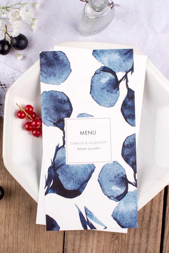 Flores azuis no menu também