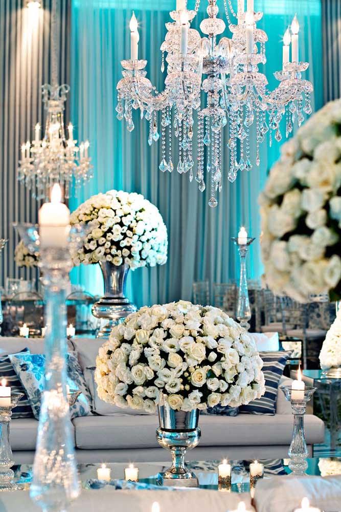 O clássico azul, branco e prata; para os que amam uma decor refinada, mas sem sair do tradicional