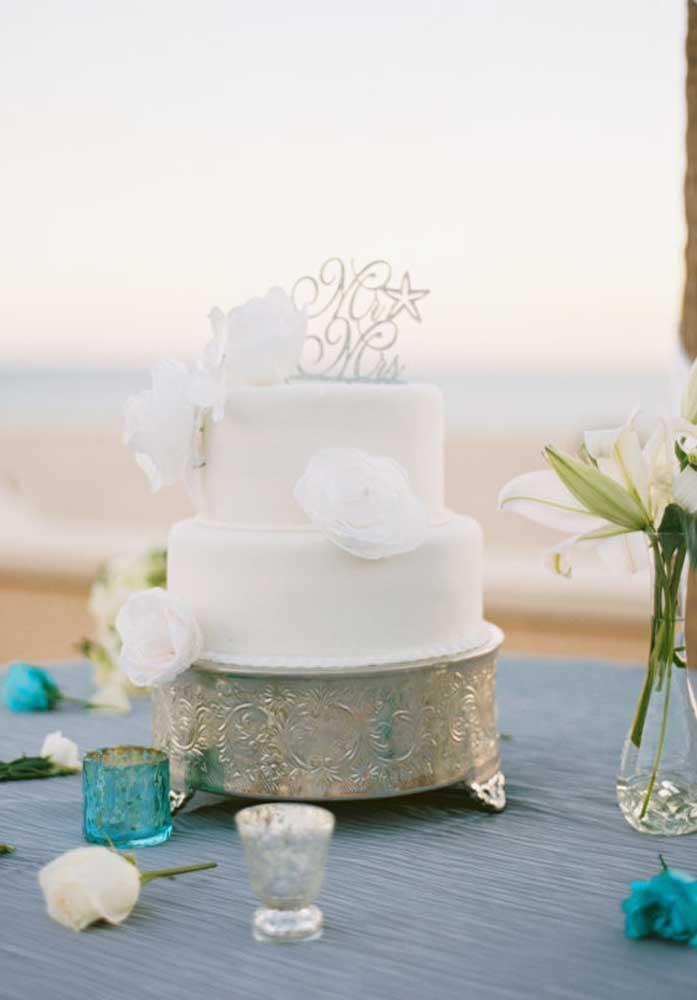 Agora se a noiva é mais tradicional, o bolo de casamento precisa seguir o mesmo estilo.