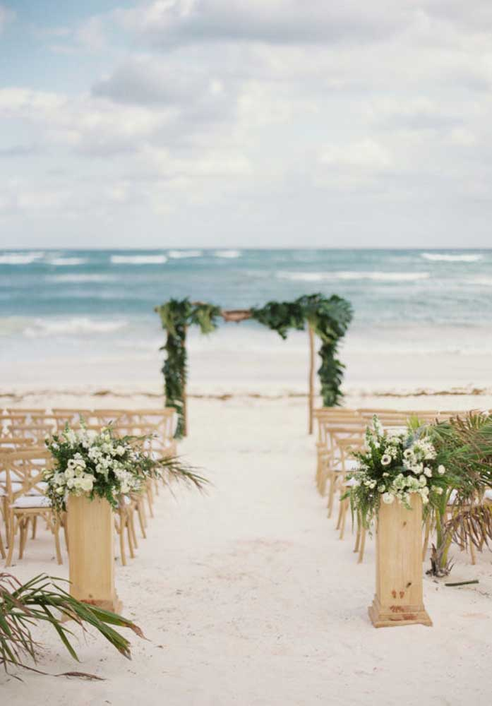 Saiba escolher muito bem a praia para a cerimônia do casamento. Se for paradisíaca, o sucesso é garantido.