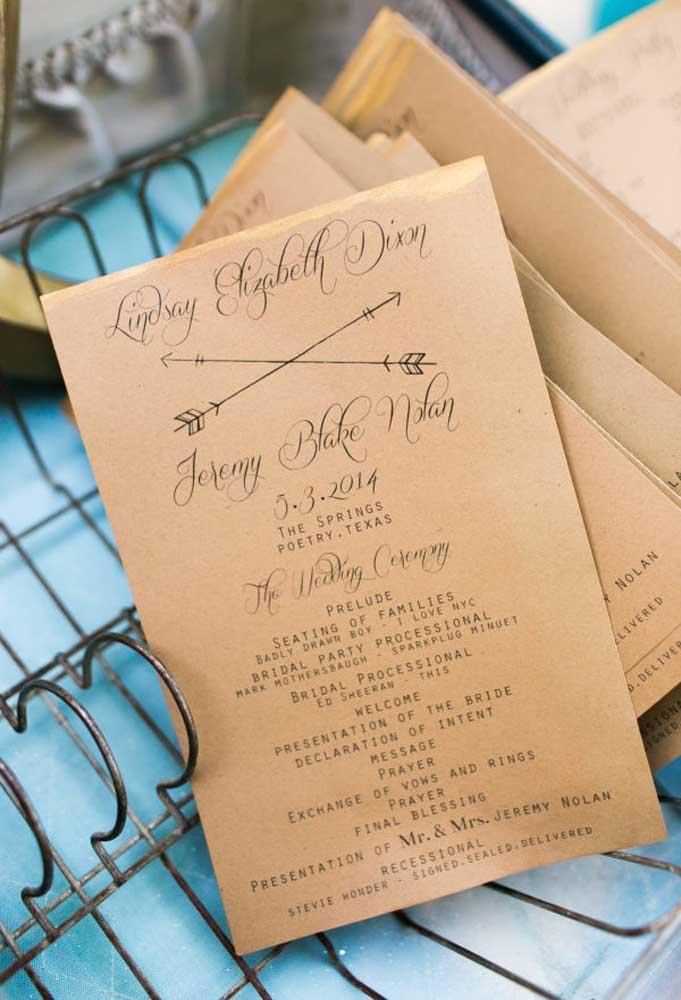 Para entrar no clima do casamento rústico, o convite deve seguir a mesma linha. A pedida é usar um papel mais simples que faça lembrar os pergaminhos mais antigos.