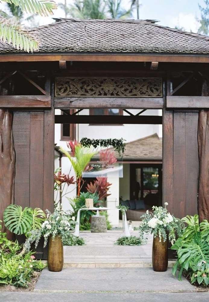 Algumas casas de festa são preparadas para receber uma decoração de casamento rústico.