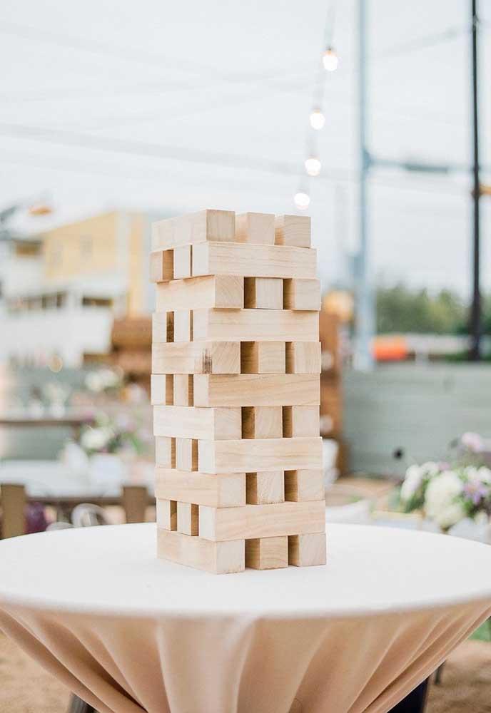Os mais inusitados objetos podem ser transformar em elementos incríveis para colocar em uma decoração de casamento.