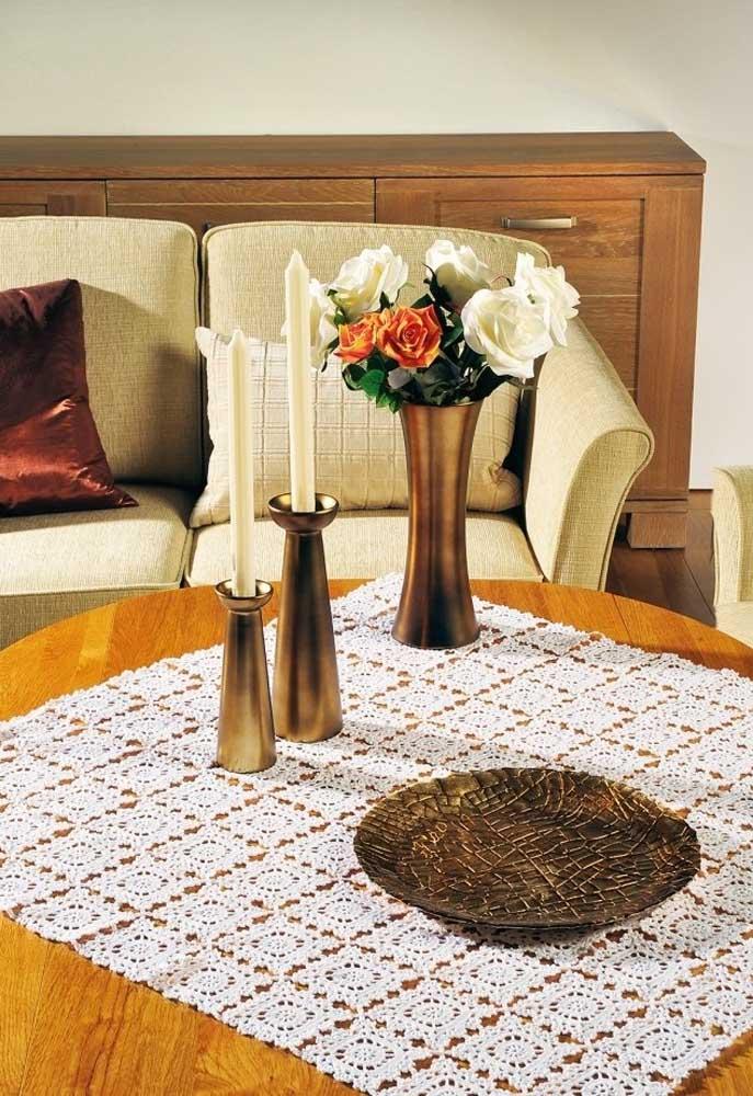 Esse formato de centro de mesa fica parecendo com aqueles azulejos que se usam na cozinha.