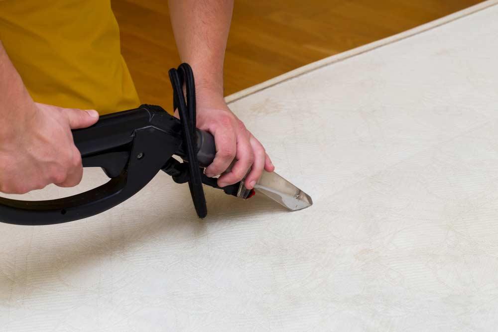 Conceito de limpeza de colchão