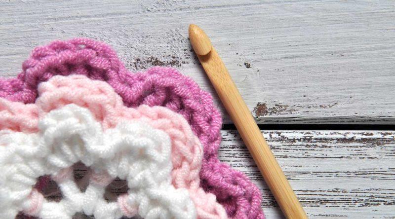 Crochê passo a passo: conheça os pontos e agulhas de crochê