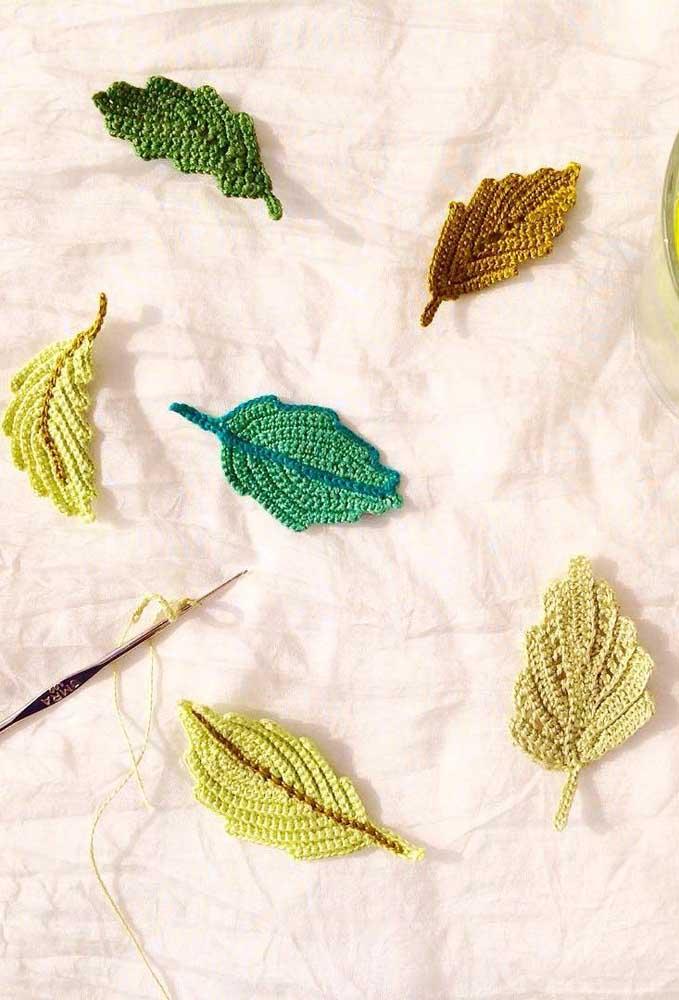 Folhas de crochê são pontos fáceis de fazer, principalmente, para quem está aprendendo.