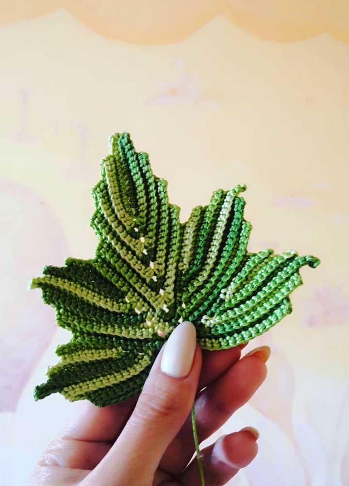 Você acredita que isso é uma folha feita de crochê? O efeito é fantástico!