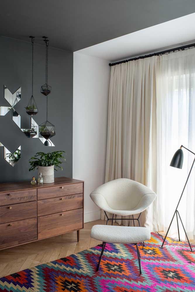 Mesmo pequenos e discretos esses vasinhos suspensos sabem como fazer a diferença na decoração do quarto