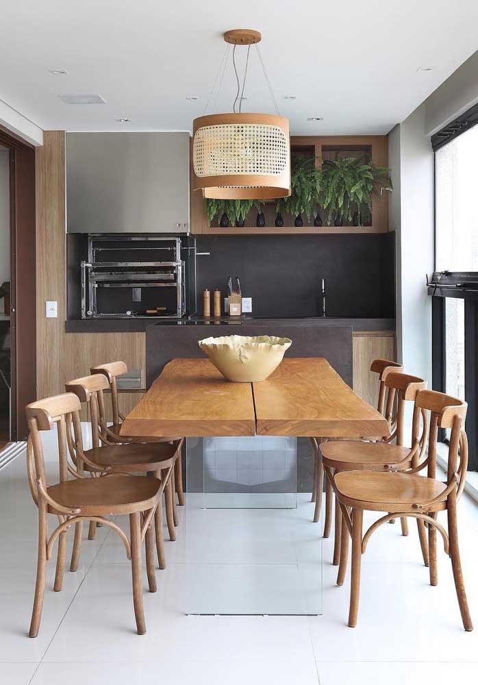 Planeje a churrasqueira junto com os armários da área externa