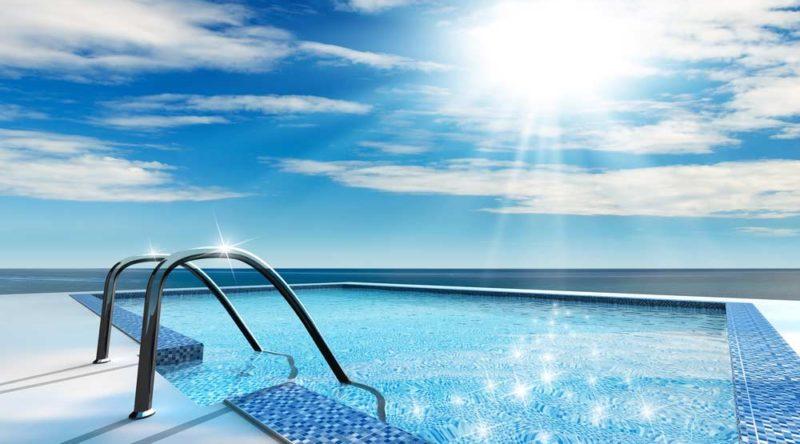 Como limpar piscina: veja o passo a passo completo
