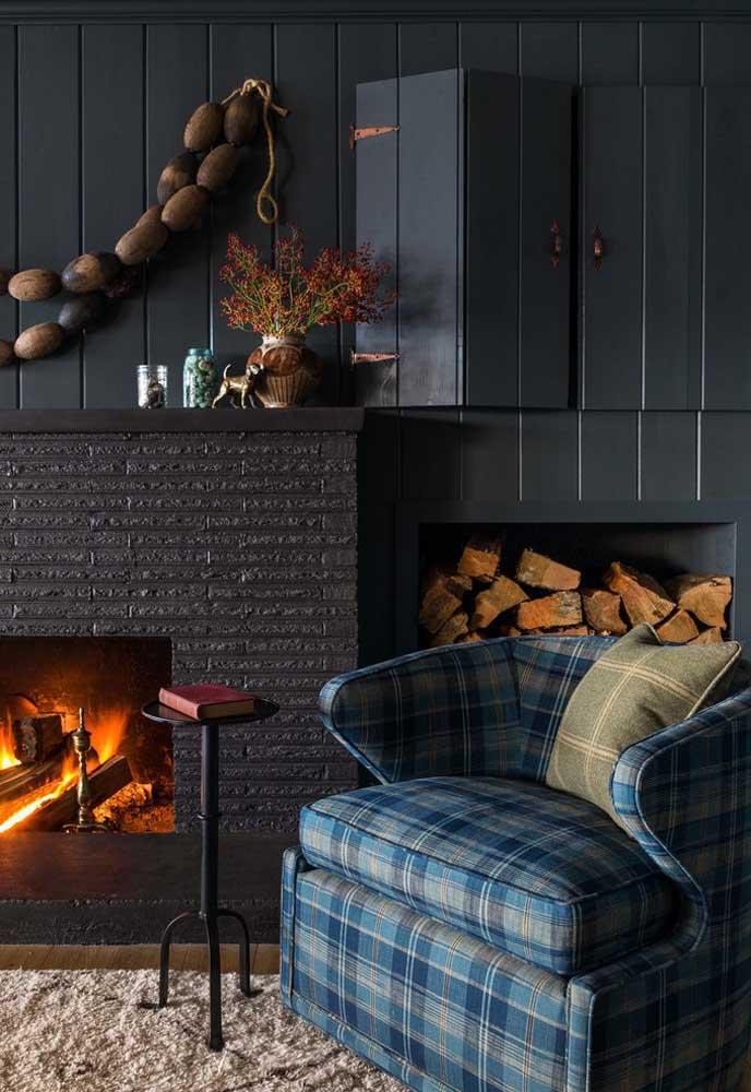 A cor cinza é perfeita para deixar o ambiente mais aconchegante. Por isso, é uma boa opção para ser usada no inverno.