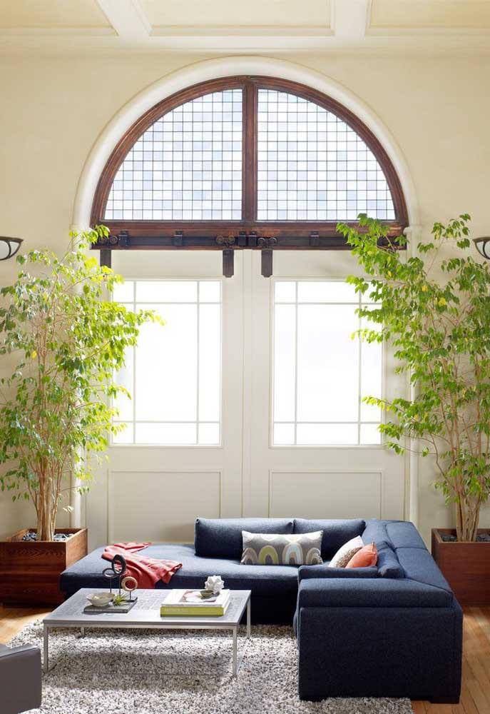 O equilíbrio entre o tradicional e o rústico deixa o ambiente em perfeita harmonia.