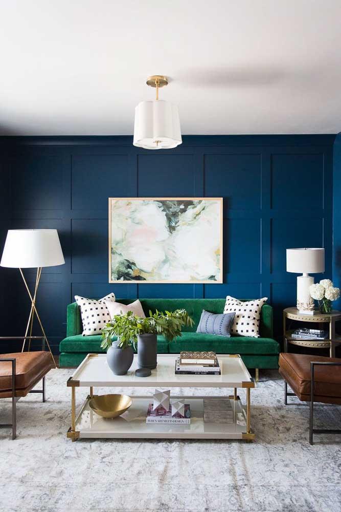 Faça uma decoração com uma mistura de cores como o azul, verde e marrom.