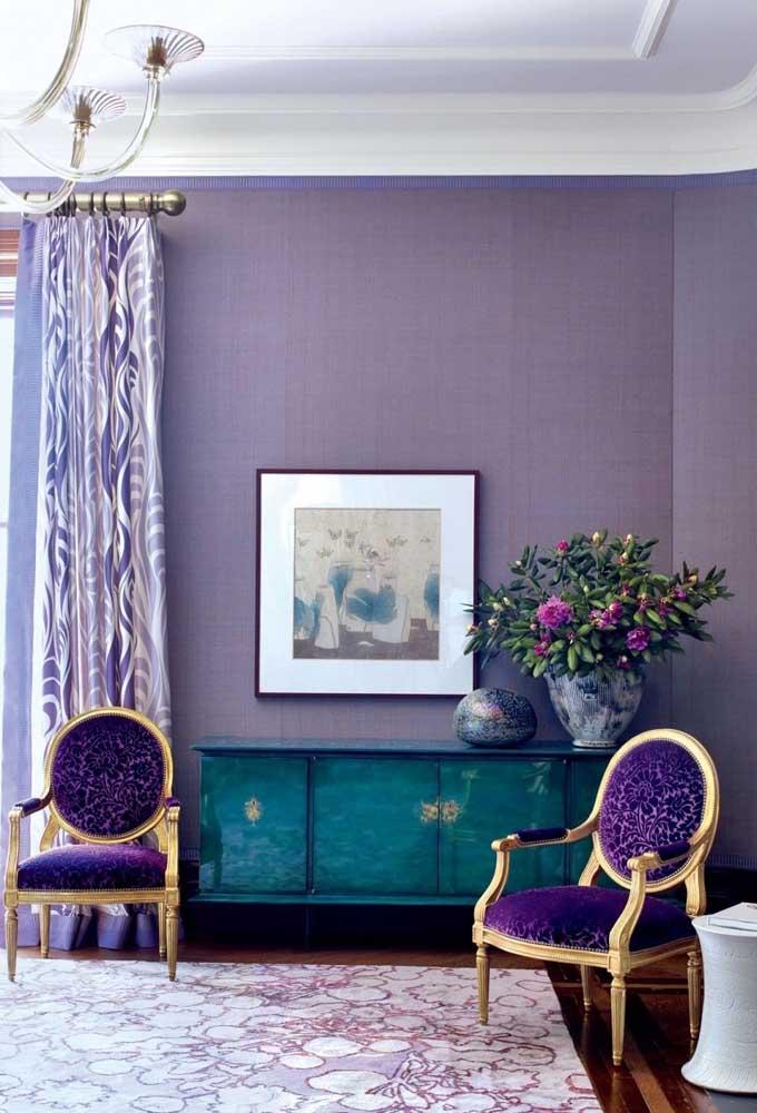 A cor roxa ou lilás deixa qualquer ambiente com uma aparência mais sofisticada. Experimente brincar com alguns tons.