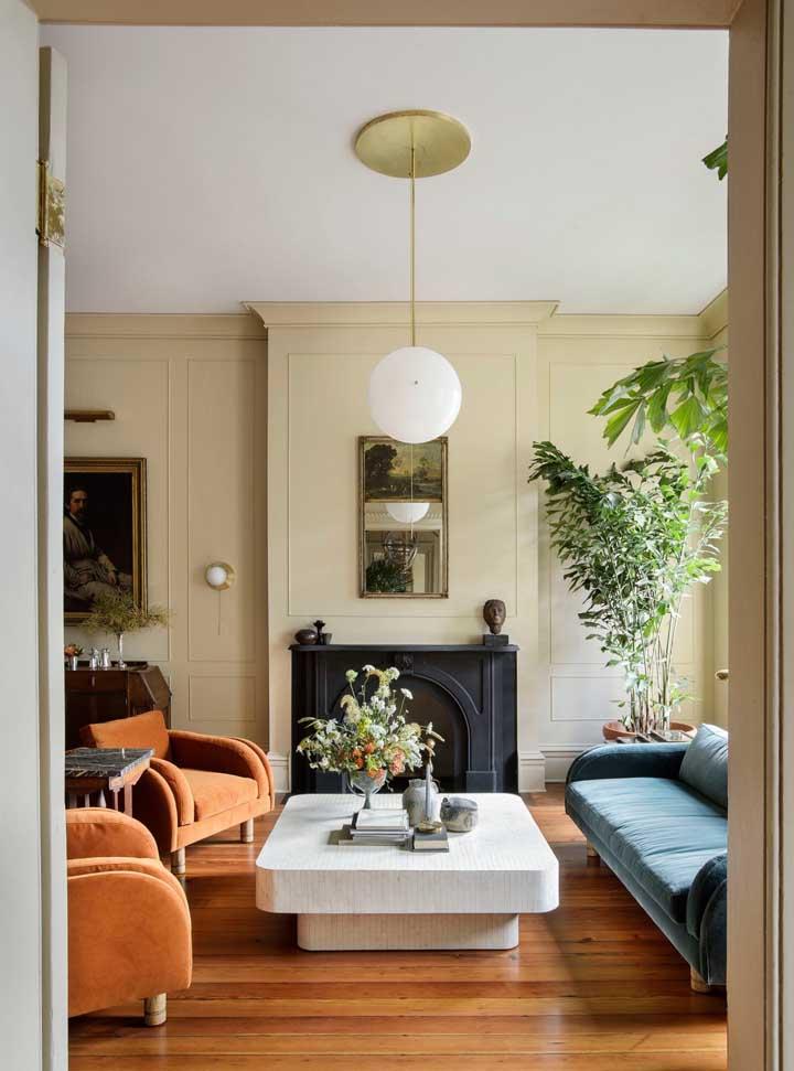 Se você deseja ter um ambiente mais claro e tranquilo, aposte em cores neutras na hora de pintar a parede da sala.