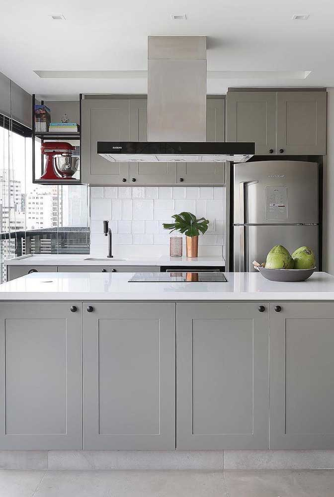 Mais uma vez o azulejo pode ser o grande enfeite de uma cozinha.