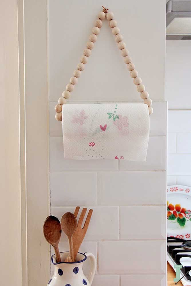 Use peças artesanais para organizar seus utensílios. Aproveite que são ótimos itens também para enfeitar a cozinha.