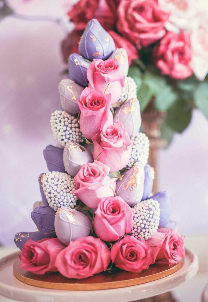 Que tal fazer um arranjo de flores de vários formatos e estampas?