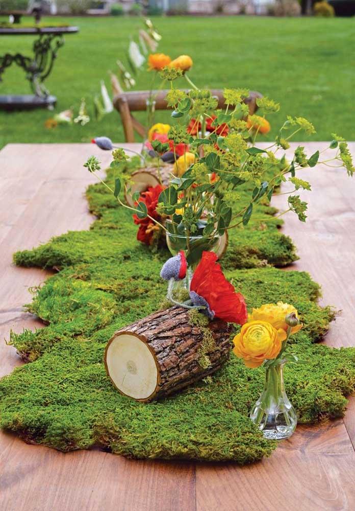 O que você acha de montar um jardim em cima da mesa principal da festa de aniversário?