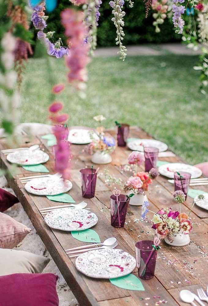 Equilibre a decoração da festa entre o rústico e o fino.