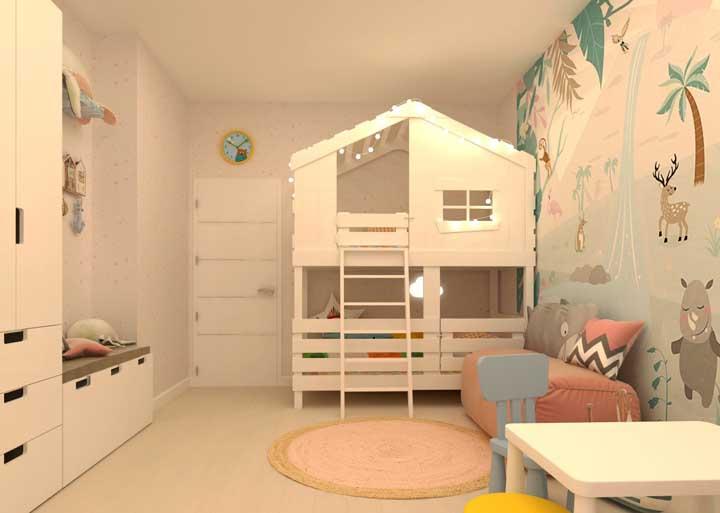 Já pensou em escolher um beliche no formato de casa? Além de ser uma cama mais segura, seus filhos vão se sentir mais à vontade.