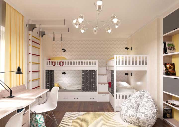 Para uma casa cheia de crianças, aposte nesse modelo de beliche. O mais interessante é que as camas inferiores ganham privacidade com a cortina e a luz individual.