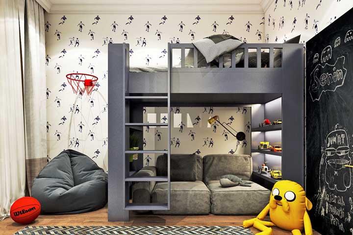 Aproveite a parte debaixo do beliche para colocar um sofá para as visitas, e guardar os brinquedos. Faça uma decoração que respeita a preferência da criança.