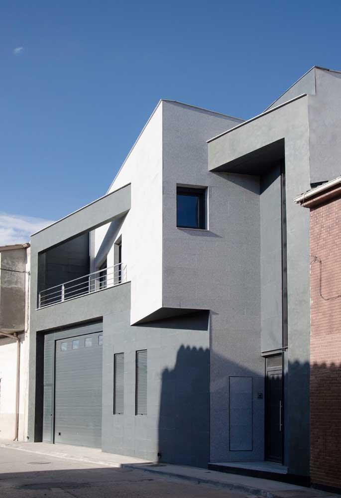Os tons de cinza marcam a fachada dessa casa