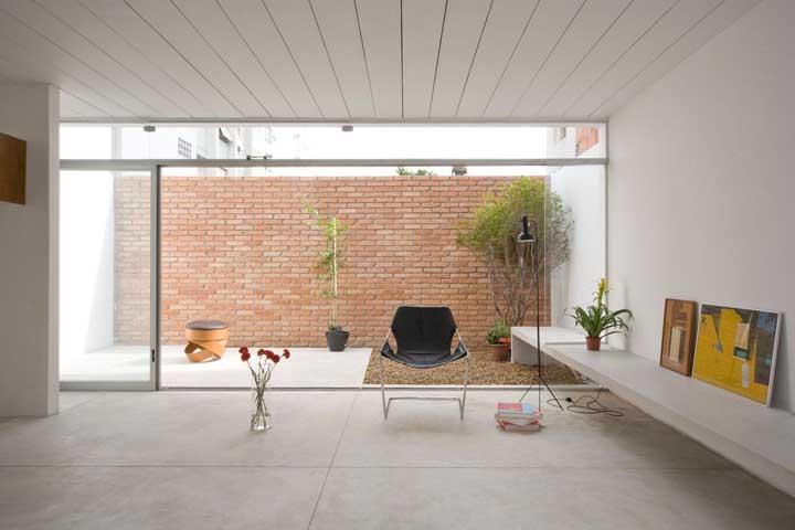 Casas modernas também combinam com muro de tijolinhos